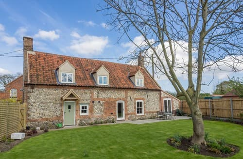 Last Minute Cottages - Charming North Creake House S114645