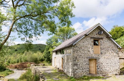 Last Minute Cottages - Cosy Builth Wells Barn S81702