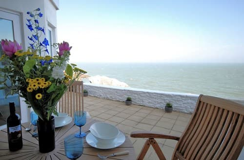 Last Minute Cottages - Tasteful Ilfracombe Apartment S7802