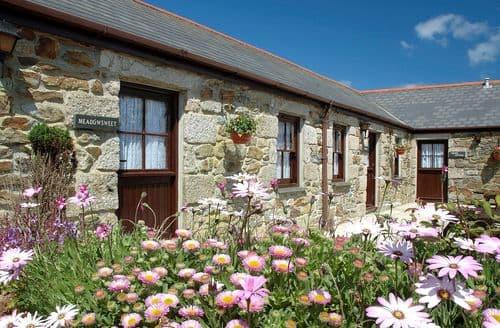Last Minute Cottages - Excellent Camborne Barn S7668