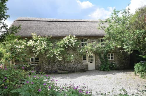 Last Minute Cottages - Captivating Umberleigh Barn S7711