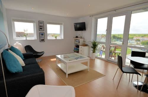 Last Minute Cottages - Attractive Newquay Apartment S7122