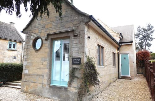 Last Minute Cottages - Beautiful Cheltenham Cottage S72821