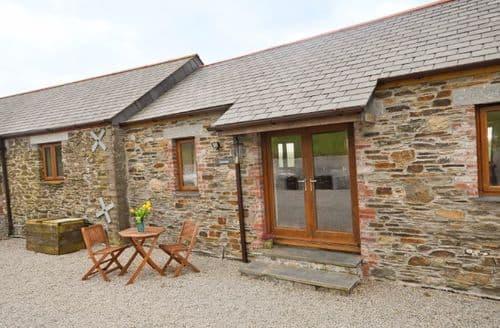 Last Minute Cottages - Luxury Looe Barn S8455