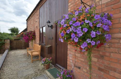 Last Minute Cottages - Excellent Weston On Avon Barn S77353