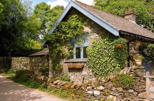 Last Minute Cottages - Luxury Windermere Cottage S94577