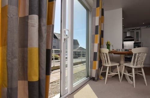 Last Minute Cottages - Luxury Bude Apartment S89738