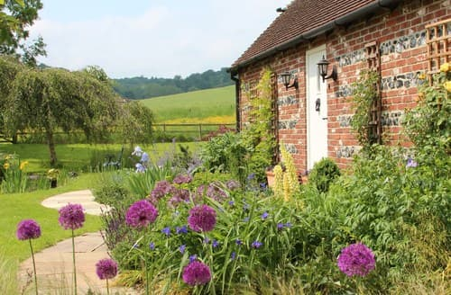 Last Minute Cottages - Stunning Blandford Forum Bungalow S27055