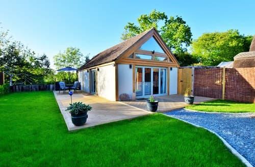 Last Minute Cottages - Lovely Lymington Barn S80548