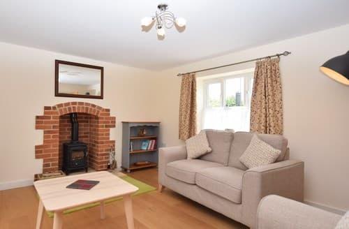 Last Minute Cottages - Tasteful Norwich Cottage S73325