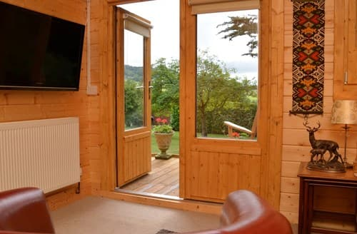 Last Minute Cottages - Attractive Taunton Log Cabin S121616