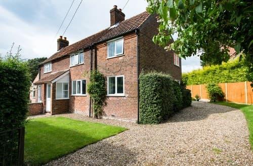 Last Minute Cottages - Quaint Colkirk House S114503