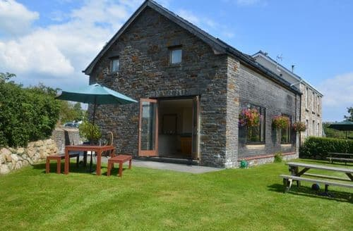 Last Minute Cottages - Captivating Swansea House S41506