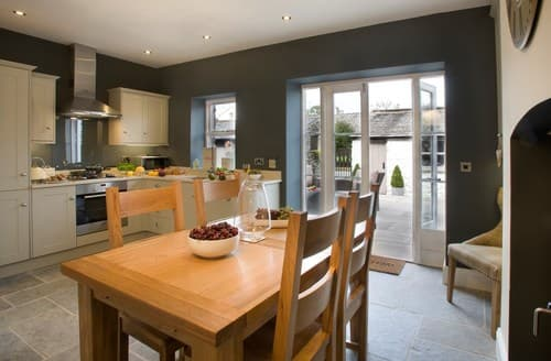 Last Minute Cottages - Attractive Grange Over Sands Cottage S94532