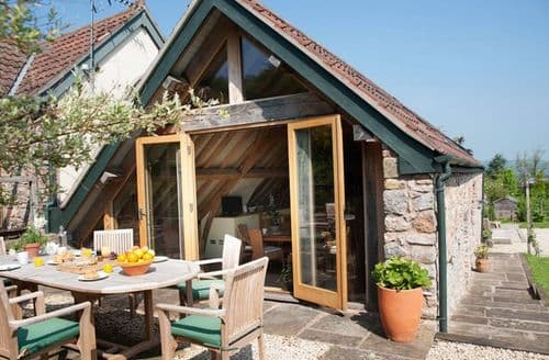 Last Minute Cottages - Excellent Bristol Barn S8309
