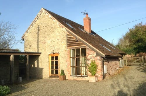 Last Minute Cottages - Cosy Ludlow Barn S84409