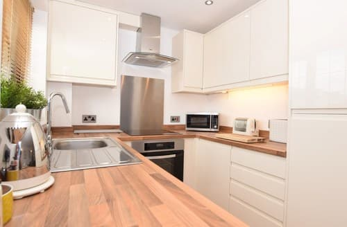 Last Minute Cottages - Inviting Woolacombe Cottage S8377