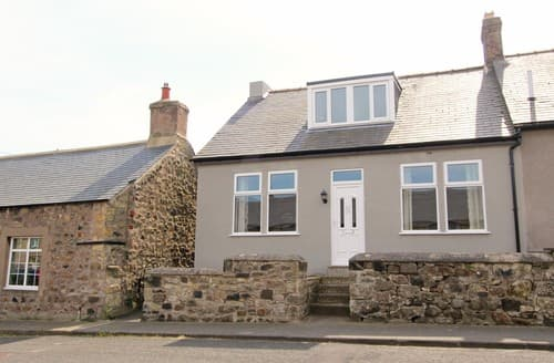 Last Minute Cottages - Lovely Belford Cottage S97888