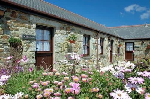 Last Minute Cottages - Exquisite Camborne Barn S7684