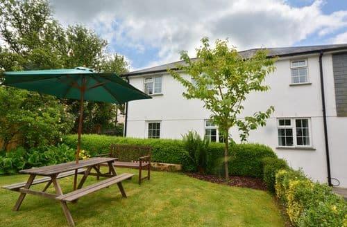Last Minute Cottages - Excellent Launceston House S8145
