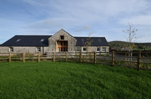 Last Minute Cottages - Luxury Buxton Barn S75562