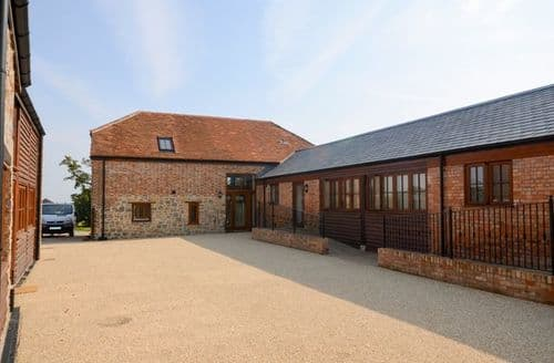 Last Minute Cottages - Tasteful Taunton Barn S9579