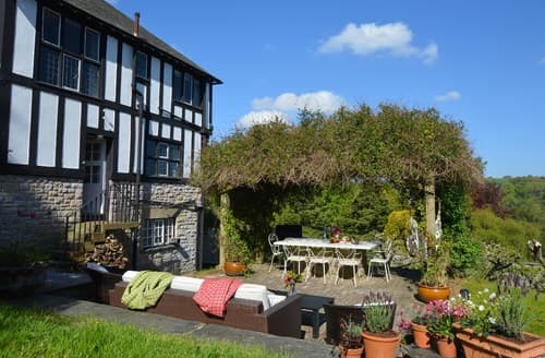 Last Minute Cottages - Delightful Colwyn Bay House S79943