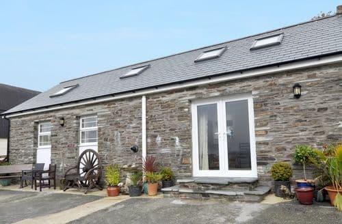 Last Minute Cottages - Splendid Whitland Barn S12555