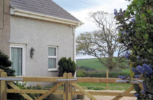 Last Minute Cottages - Beautiful Truro Wing S8216