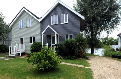 Last Minute Cottages - Excellent Cirencester House S102990