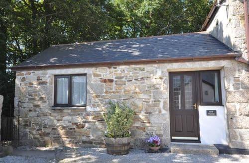 Last Minute Cottages - Excellent Camborne Barn S7819