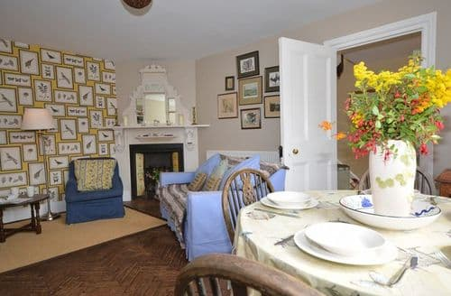 Last Minute Cottages - Delightful Exeter House S7652