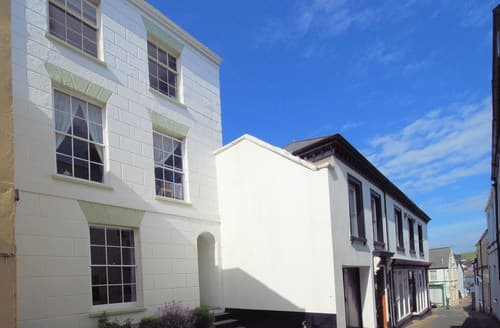 Last Minute Cottages - Stunning Appledore Apartment S8784