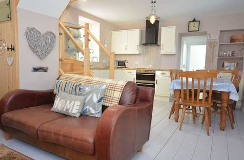 Last Minute Cottages - Attractive Milford Haven Cottage S49695
