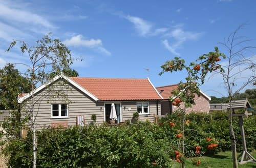 Last Minute Cottages - Excellent Great Yarmouth Barn S13200
