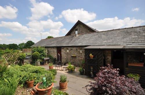 Last Minute Cottages - Inviting Pontypool Barn S80919