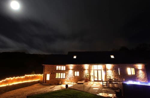 Last Minute Cottages - Tasteful Abergavenny Barn S45945