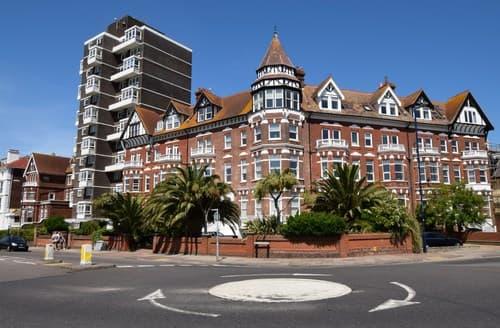 Last Minute Cottages - Luxury Southsea Apartment S82950