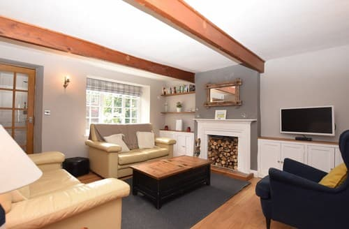 Last Minute Cottages - Attractive Weybourne Cottage S114546