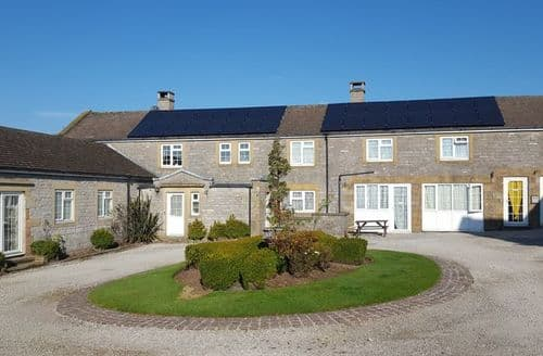 Last Minute Cottages - Wonderful Ashbourne Cottage S44734