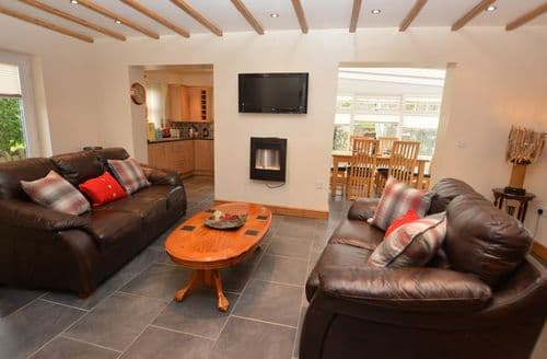 Last Minute Cottages - Beautiful Tyn Y Gongl Barn S45136