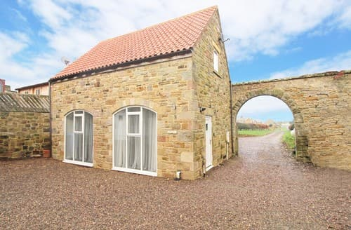 Last Minute Cottages - Inviting Bamburgh Cottage S97964
