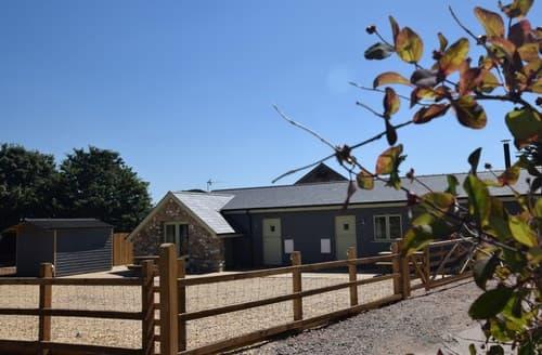 Last Minute Cottages - Quaint Pontypool Cottage S100891