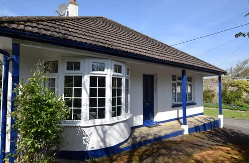 Last Minute Cottages - Superb Bideford Bungalow S8894