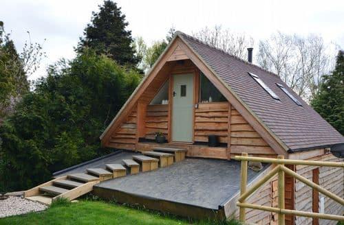 Last Minute Cottages - Excellent Evesham Log Cabin S44319