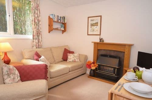 Last Minute Cottages - Excellent Newton Abbot Bungalow S8135