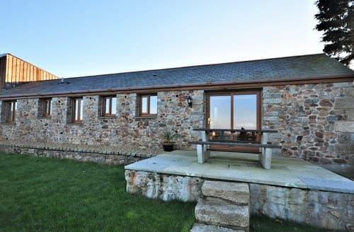 Last Minute Cottages - Cosy Camborne Cottage S7072