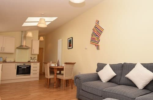 Last Minute Cottages - Captivating North Walsham Barn S79349