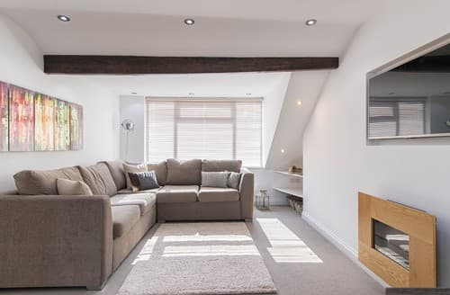 Last Minute Cottages - Wonderful Harrogate Apartment S122108