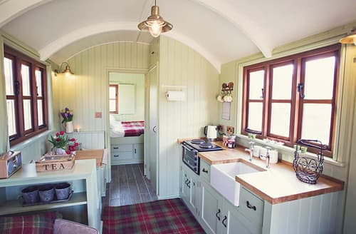 Last Minute Cottages - Attractive Usk Log Cabin S45991